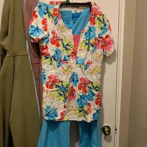 Women's scrubs pants small tall shirt medium